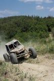 automobile 4x4 fatta funzionare su terreno Immagine Stock Libera da Diritti
