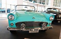 Automobile Ford Thunderbird dell'annata Immagine Stock