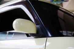 Automobile laterale dello specchio Fotografia Stock