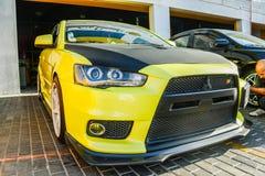 Automobile modificata lanciere di Mitsubishi nei uae Fotografia Stock Libera da Diritti