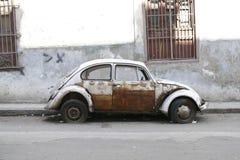 Automobile molto vecchia. Avana, Cuba fotografia stock libera da diritti