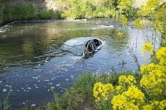 Automobile nel fiume Dearne Fotografia Stock