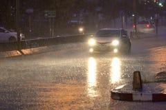 Automobile nella pioggia fotografia stock