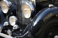 Automobile nera di lusso antiquata Fotografie Stock Libere da Diritti