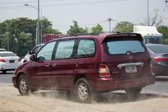 Automobile privata di MPV, Kia Grand Carnival immagine stock