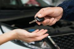 Automobile riparata! Fotografia Stock Libera da Diritti