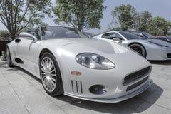 Automobile scoperta a due posti argentea Immagine Stock Libera da Diritti