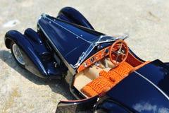 Automobile scoperta a due posti dello Sc Corsica di Bugatti 57 - interno di cuoio dell'alligatore Fotografia Stock