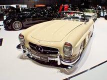 Automobile scoperta a due posti di Mercedes-Benz 300SL a Ginevra 2016 immagini stock