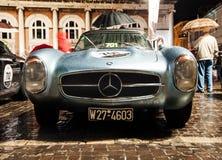 AUTOMOBILE SCOPERTA A DUE POSTI Mille Miglia 2016 di MERCEDES 300 SL Fotografie Stock