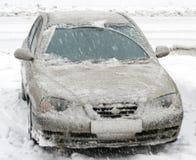 Automobile, snowfallI, uno Fotografie Stock