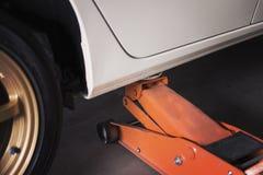 Automobile sollevata Immagine Stock