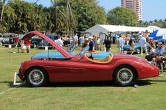 Automobile sportiva classica dell'intaccatura di 50s britannici Fotografia Stock