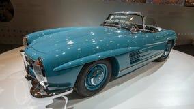 Automobile sportiva classica dell'automobile scoperta a due posti di Mercedes Benz 300SL Fotografia Stock Libera da Diritti