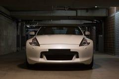 Automobile sportiva convertibile bianca Immagini Stock