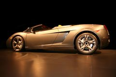 Automobile sportiva costosa e operata fotografia stock