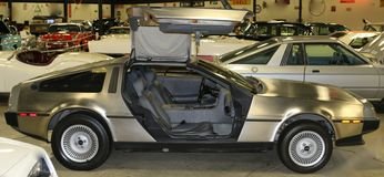 Automobile sportiva 1981 dell'oggetto d'antiquariato di DeLorean DMC-12 Immagine Stock