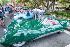 Automobile sportiva di corsa verde d'annata nei saloni dell'automobile classici il giorno dell'Australia Fotografie Stock Libere da Diritti