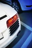 Automobile sportiva nel parcheggio del undergraound Fotografia Stock Libera da Diritti