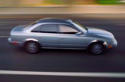 Automobile sull'autostrada senza pedaggio Immagini Stock Libere da Diritti