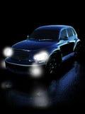 Automobile sulla strada di notte Immagini Stock Libere da Diritti