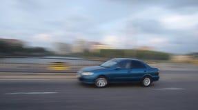 Automobile sur le mouvement Photo stock