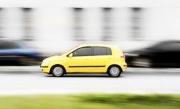 Automobile veloce gialla Fotografie Stock Libere da Diritti