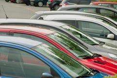 Automobili al parcheggio Fotografia Stock Libera da Diritti