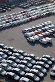 Automobili che attendono sulla sosta Immagine Stock