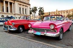 Automobili classiche americane in Cuba Immagini Stock Libere da Diritti