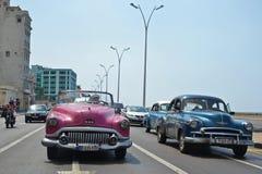 Automobili del classico di Malecon Fotografia Stock