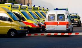Automobili dell'ambulanza Immagine Stock