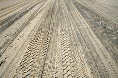 Automobili della traccia della sabbia Fotografia Stock
