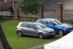 Automobili di BMW e di Volkswagen Fotografie Stock