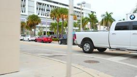Automobili di lusso alla gestione commerciale stock footage