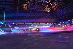 Automobili di paraurti - pista di giro di divertimento Fotografia Stock Libera da Diritti