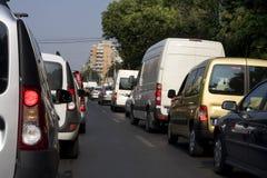 Automobili nell'attesa nel traffico pesante Fotografia Stock Libera da Diritti