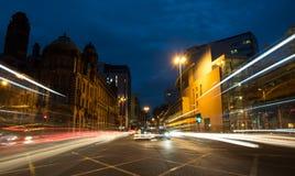 Automobili nelle vie di Manchester City Fotografia Stock Libera da Diritti