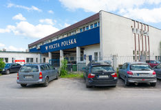 Automobili parcheggiate ufficio postale Fotografie Stock