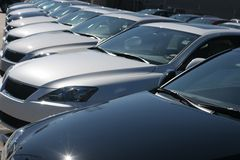 Automobili sul lotto Fotografia Stock Libera da Diritti