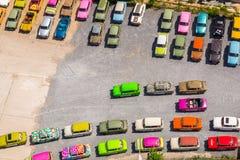 Automobili tedesche d'annata variopinte su parcheggio a Berlino, Germania Immagini Stock Libere da Diritti