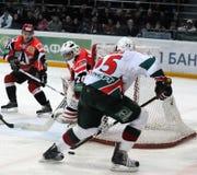Automobilist do hóquei de KHL contra barras de AK Imagem de Stock Royalty Free