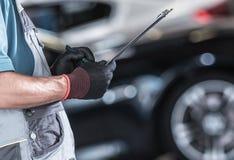 Automobilowa pracownik dokumentacja zdjęcia stock