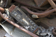 Automobilowy system dźwiękowy w junkyard Fotografia Royalty Free
