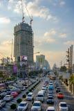 Automobilstopper auf einer der zentralen Straßen Das grundlegende Pro Stockfotografie