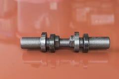 automot的铁熔铸的零件做的凹轮轴的原材料 免版税库存图片