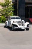 Automóvil del automóvil descubierto de Excalibur Fotos de archivo