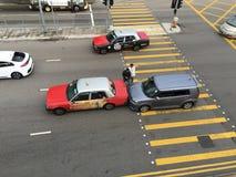 Autoneerstorting op weg in Hong Kong royalty-vrije stock afbeelding