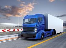 Autonomiczny hybryd ciężarówki jeżdżenie na autostradzie ilustracji