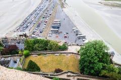 Autoparken von Insel Le Mont Saint-Michel Stockfotografie